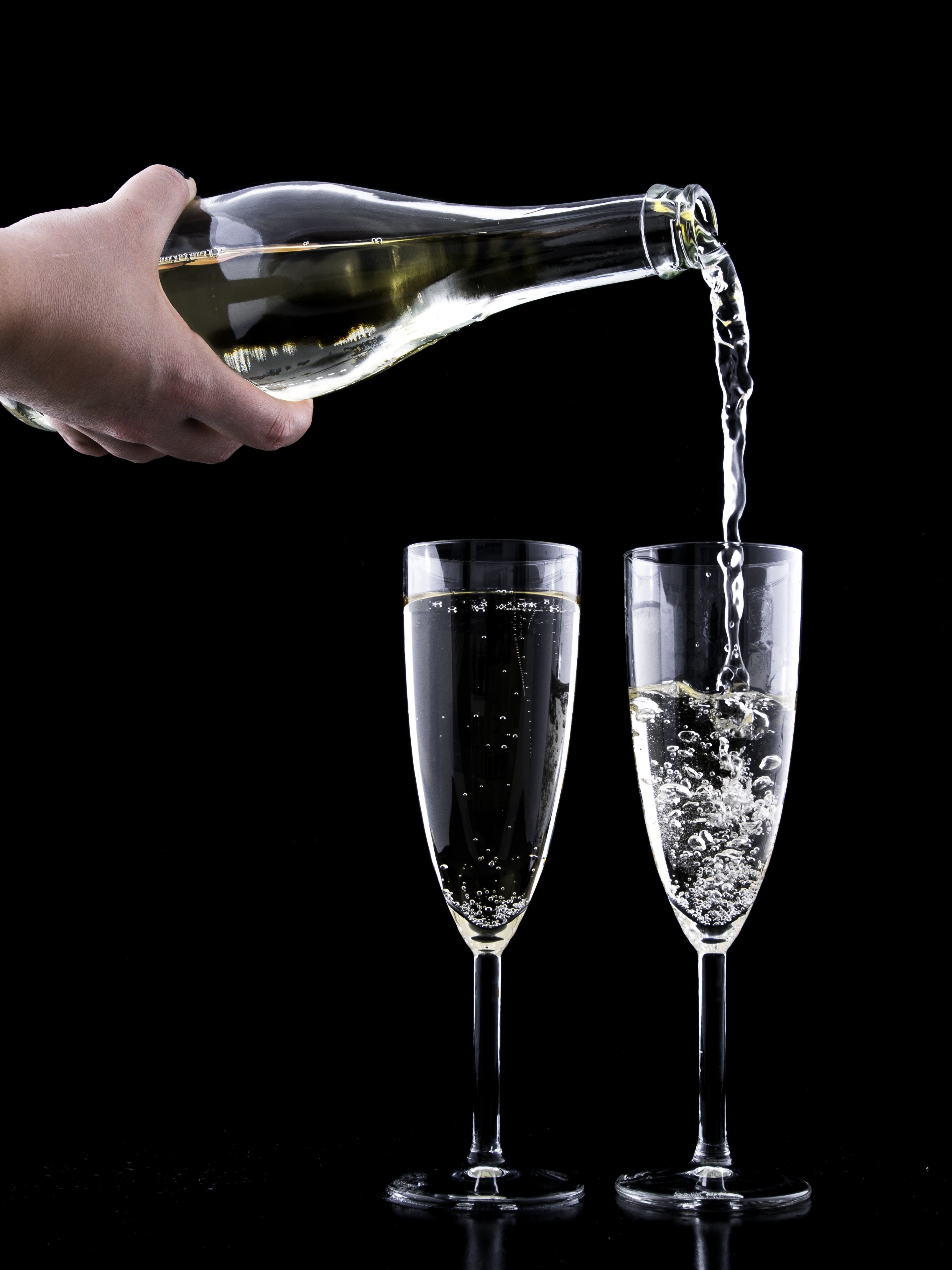 Advantages of using plastic champagne glass